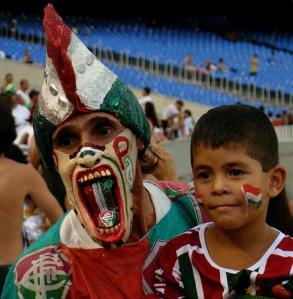 Pai e filho nos estádios: até quando?